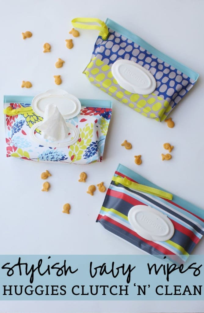 Stylish Baby Wipes with #Huggies Clutch 'n' Clean #HuggiesMomStyle