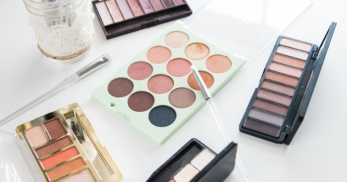 5 Amazing Drugstore Eyeshadow Palettes | Meg O. On The Go
